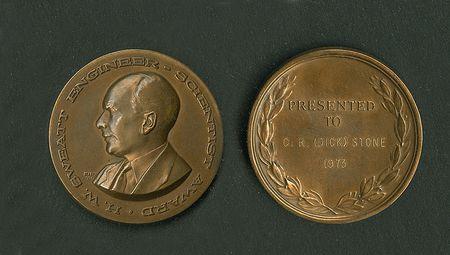 160609-Sweatt-medal-Face